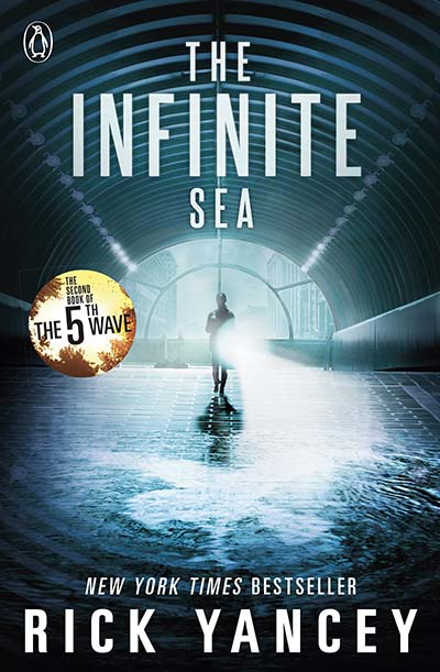 The 5th Wave: The Infinite Sea (Book 2) - Jacket